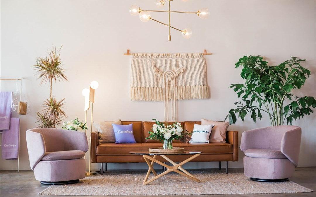 5 conseils de design et de décoration pour donner vie à votre salon
