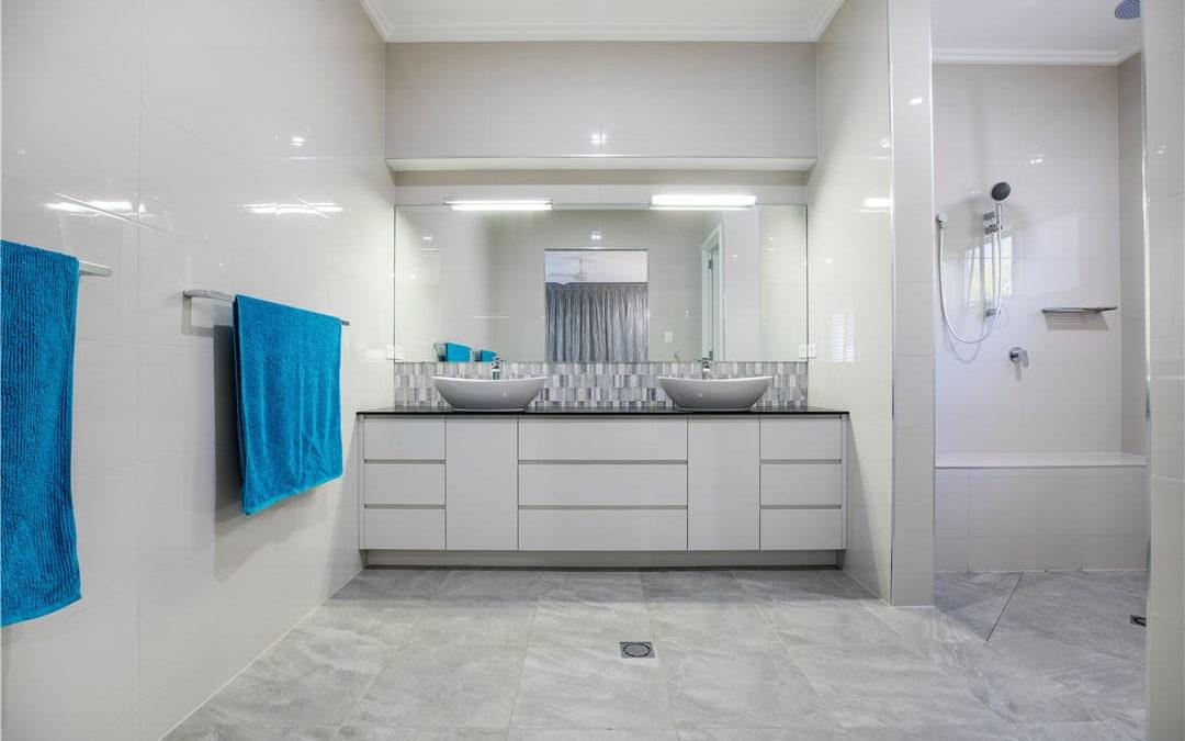 Image d'une salle de bain rénovée à Strasbourg